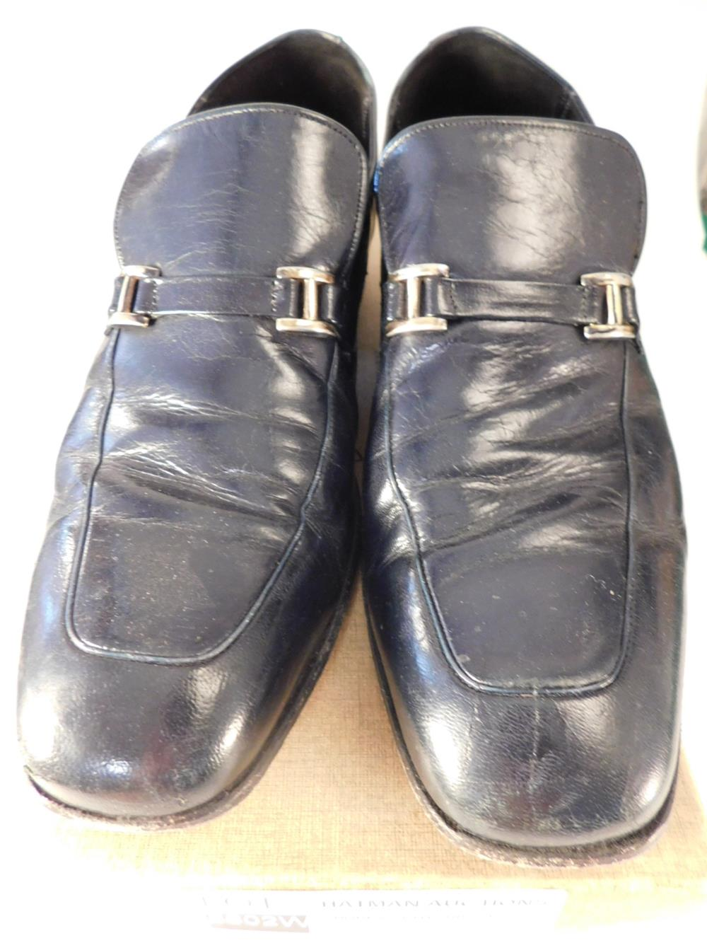 JOHNSTON AND MURPHY SIZE 9.5 B MENS SHOE