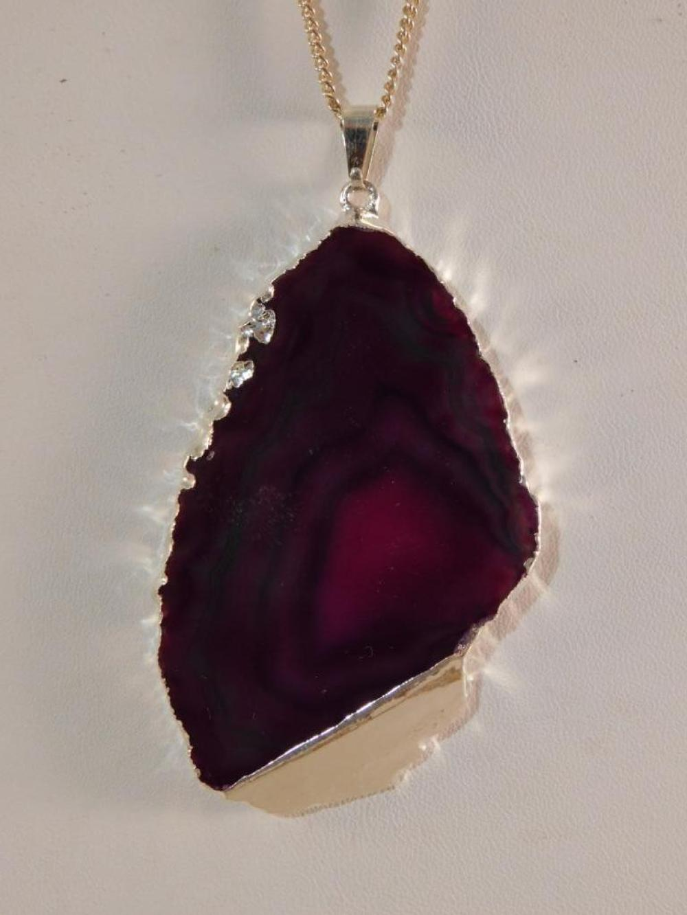 AGATE SLICE PENDANT ON CHAIN ROCK STONE LAPIDARY SPECIMEN