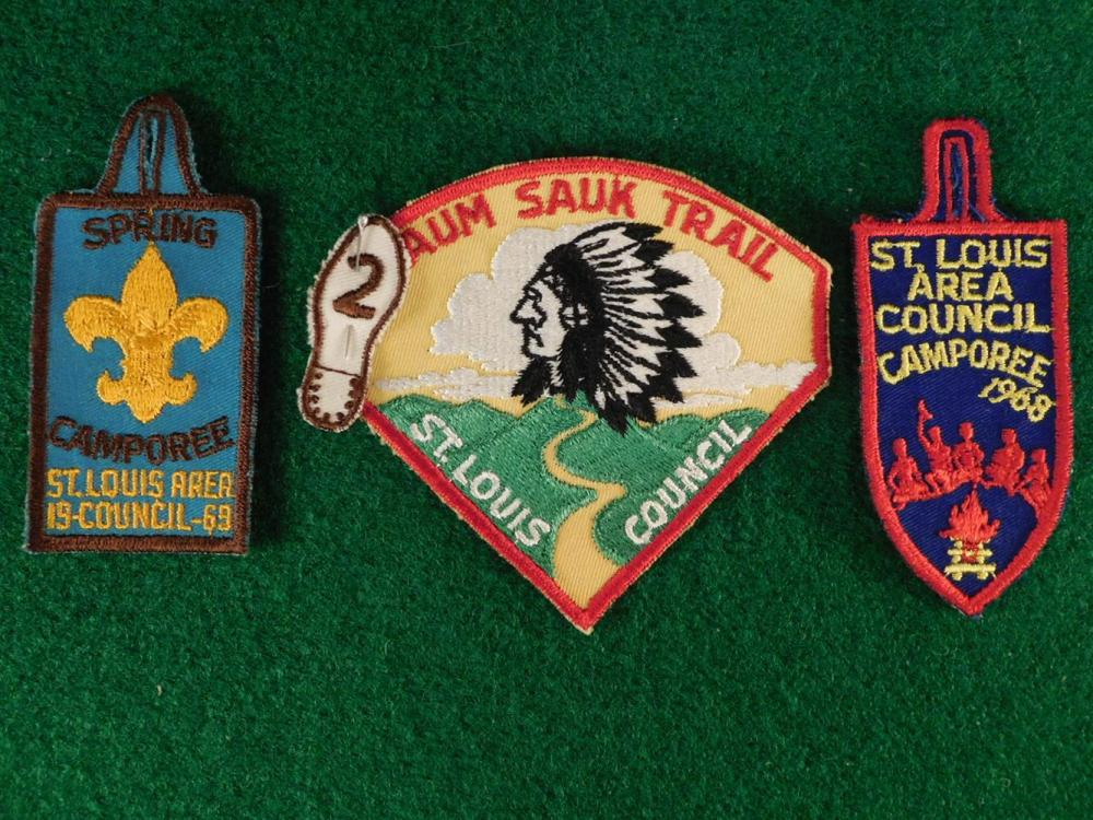VINTAGE BOYSCOUT BADGES ANTIQUES AND COLLECTIBLES