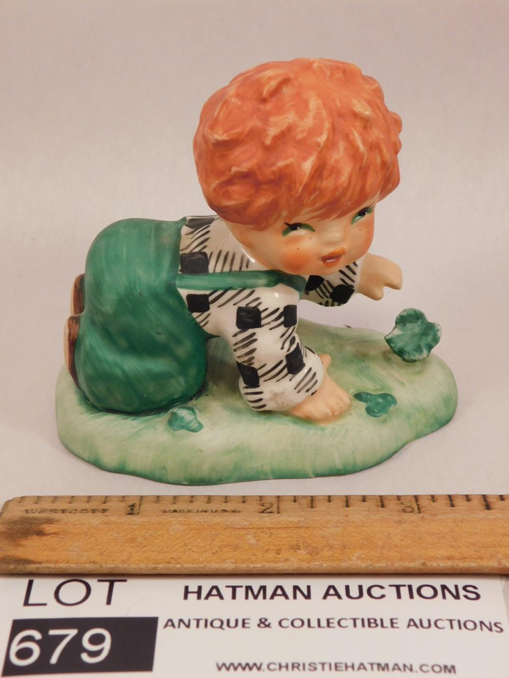 HUMMEL GOEBEL FIGURINE ANTIQUES AND COLLECTIBLES