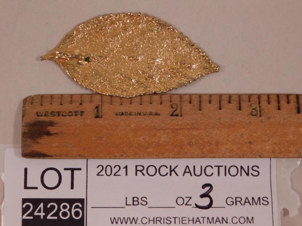 24 CARAT GOLD LEAF PENDANT ROCK STONE LAPIDARY SPECIMEN