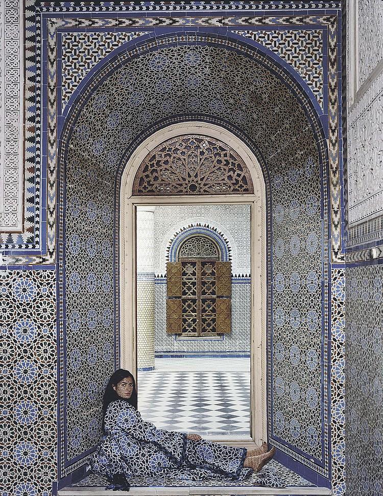 Lalla Essaydi (Moroccan, B. 1956)
