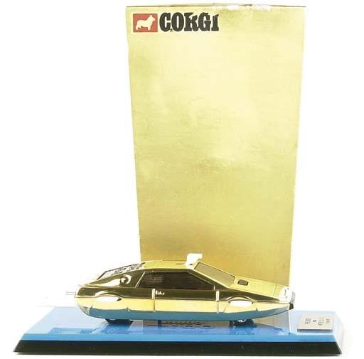 A RARE CORGI GOLD-PLATED PRESENTATION JAMES BOND LOTUS ESPRIT