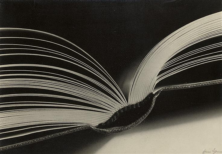 Open book, before 1933
