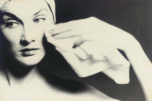 LILLIAN BASSMAN (BORN 1917)