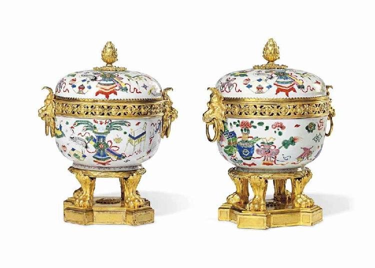 A PAIR OF RESTAURATION ORMOLU-MOUNTED CHINESE FAMILLE ROSE PORCELAIN POT-POURRI VASES
