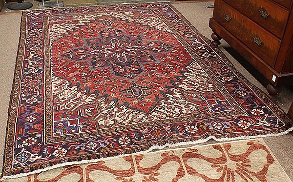Persian Heriz carpet, 9'8