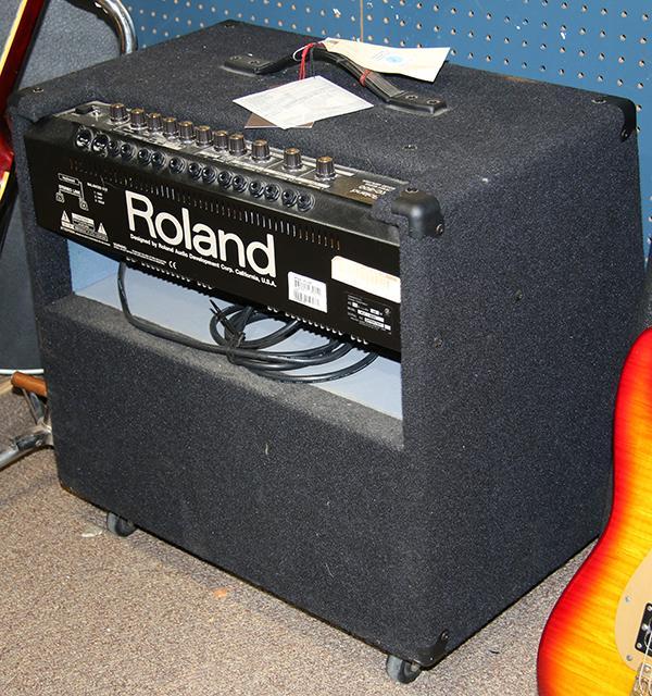 roland kc 500 stereo mixing keyboard amplifier. Black Bedroom Furniture Sets. Home Design Ideas