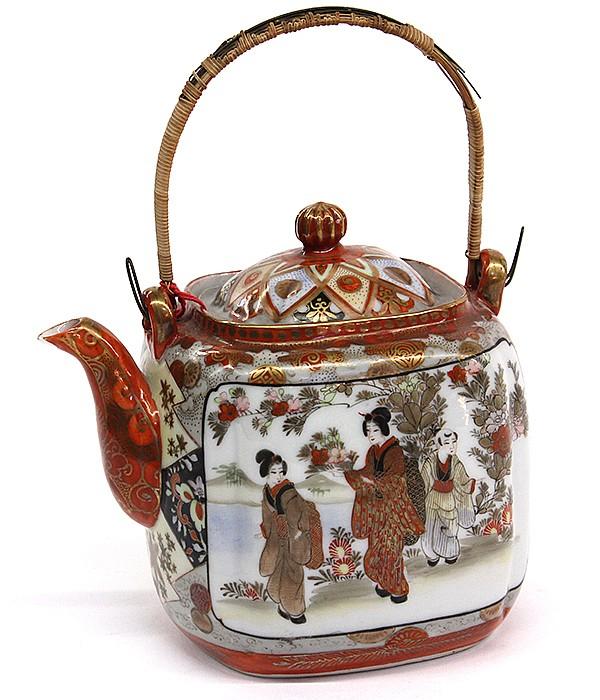 Japanese Kutani Teapot, Meiji Period