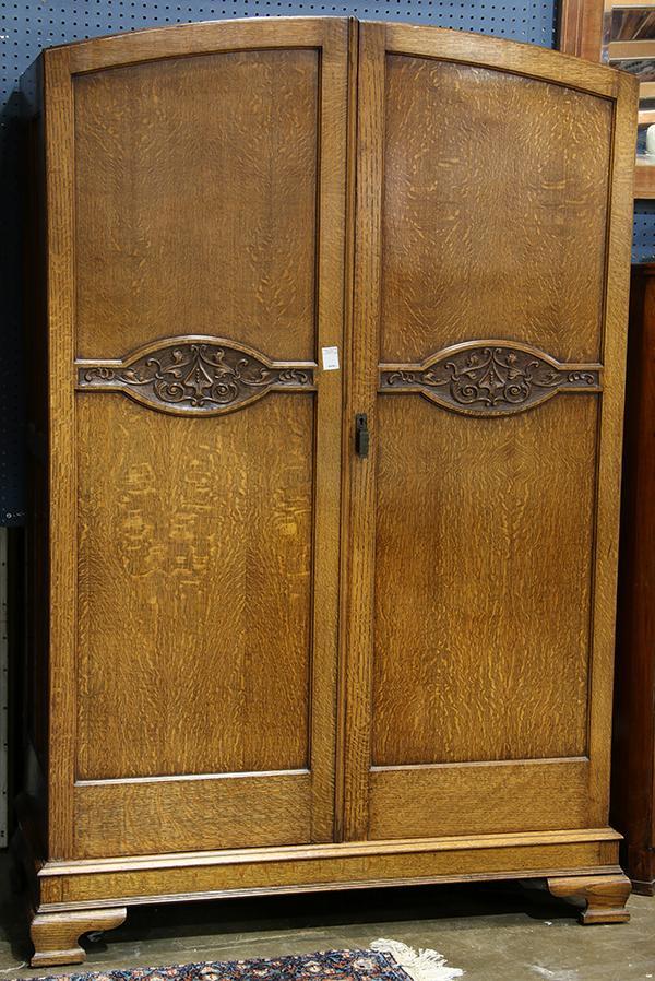 Edwardian quartersawn oak armoire
