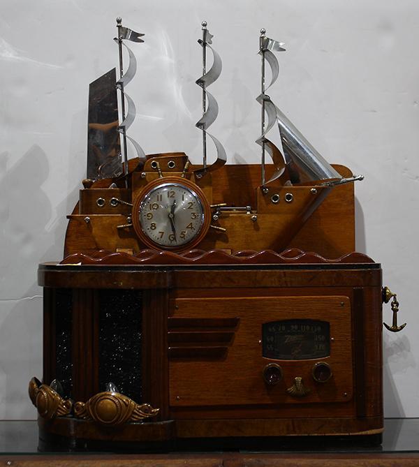 Art deco style clock radio