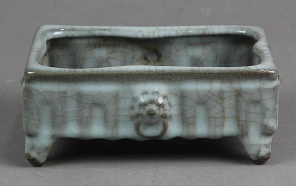 Chinese Guan-type Rectangular Vessel