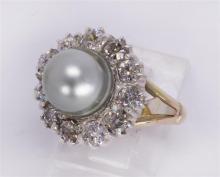 Natural pearl, diamond and 18k yellow gold ring