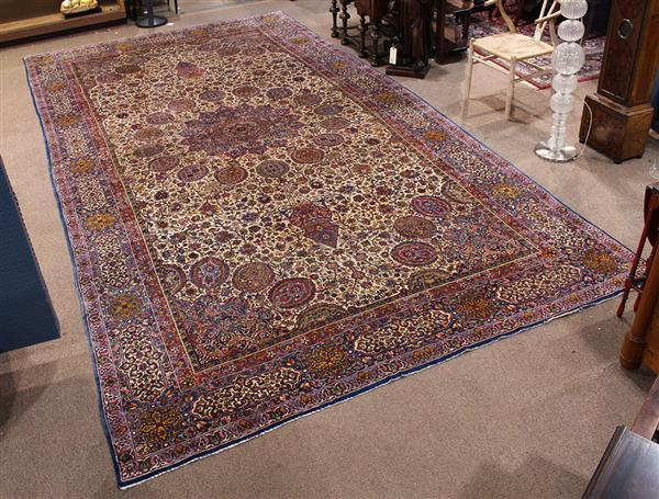 Antique Lavar Kerman carpet, 9'2