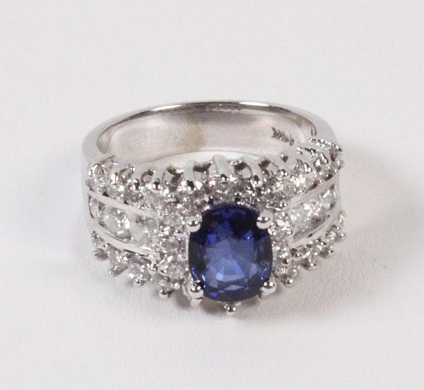 14K WHITE GOLD DIAMOND AND BLUE SAPPHIRE LADIES RING