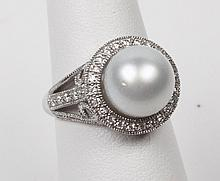 14K DIAMOND AND SOUTH SEA PEARL LADIES RING