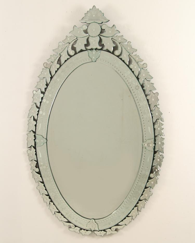 Large decorative venetian glass oval mirror for Fancy oval mirror