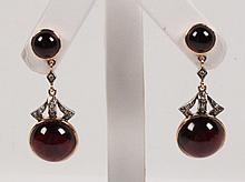 PAIR OF 18K YELLOW GOLD DIAMOND AND GARNET EARRINGS