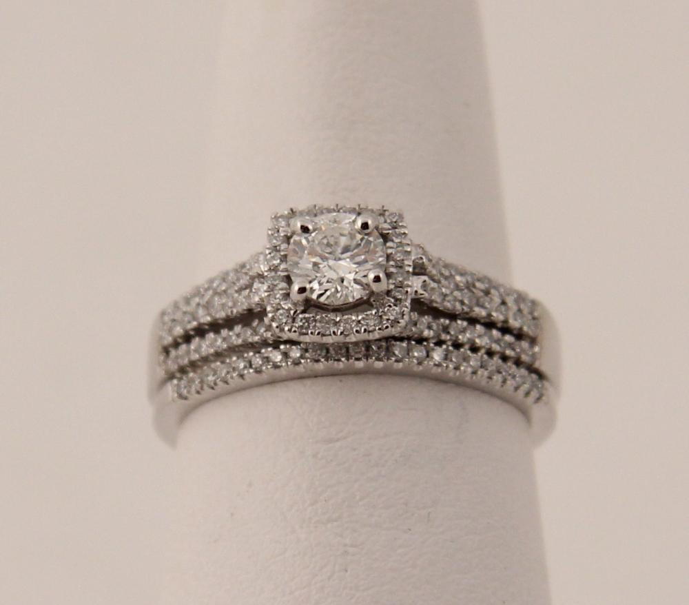 Lot 25: 14K WHITE GOLD 2 PC. DIAMOND BRIDAL SET