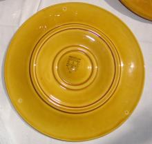 Lot 97: 13 PC. FAIENCE OYSTER SERVICE
