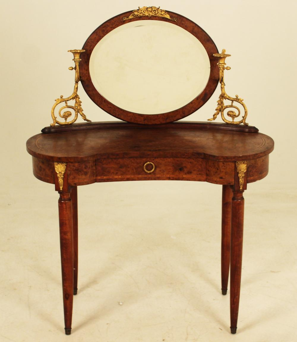 Lot 187: FRENCH BRZ MTD KIDNEY SHAPED DRESSING TABLE
