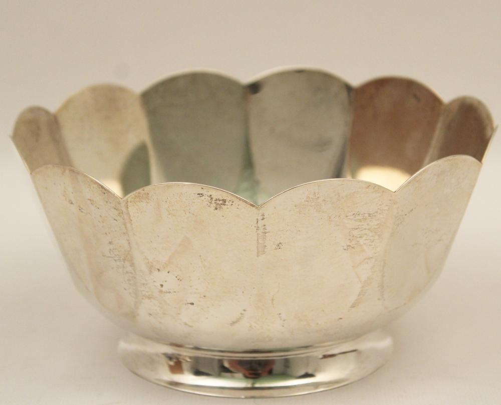 Lot 175: TIFFANY STERLING SILVER 12 LOBED BOWL, 13 TOW