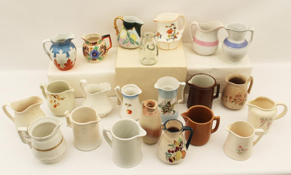 Lot 304: 22 CREAM PITCHERS