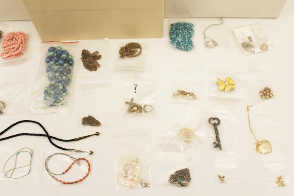 Lot 316: TRAY LOT OF COSTUME JEWELRY