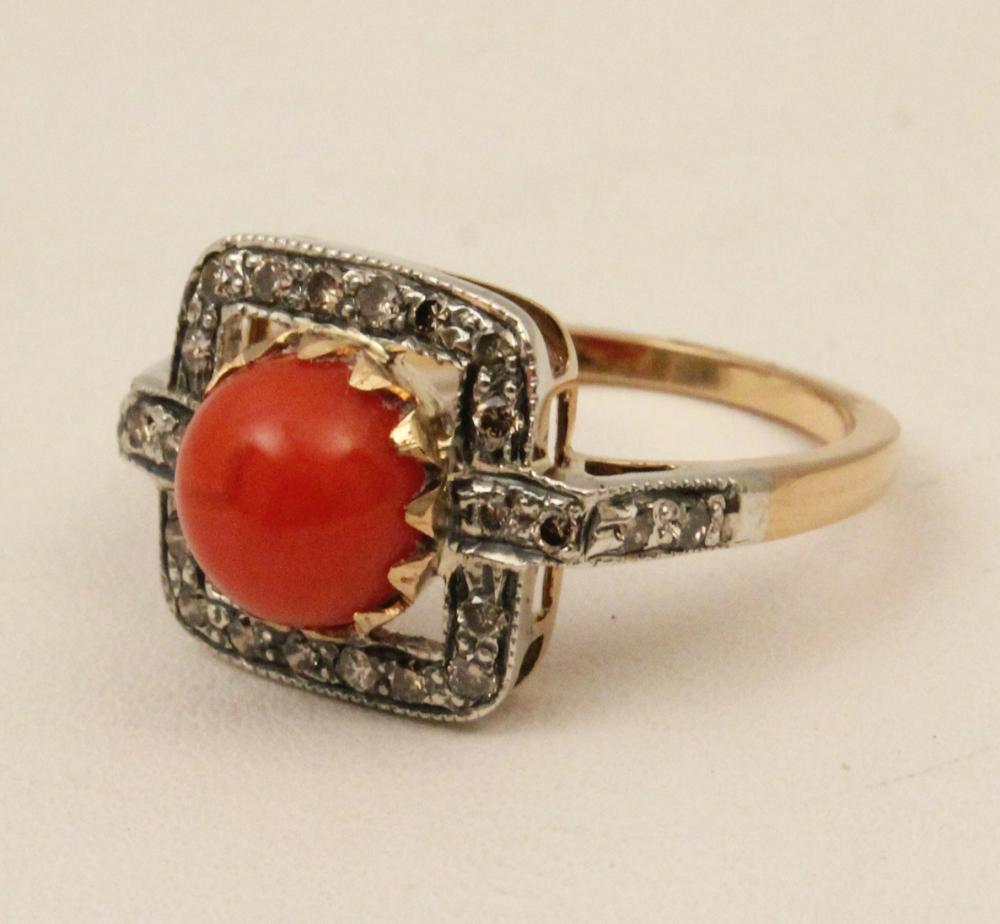 Lot 292: 18K GOLD DIAMOND AND CORAL RING