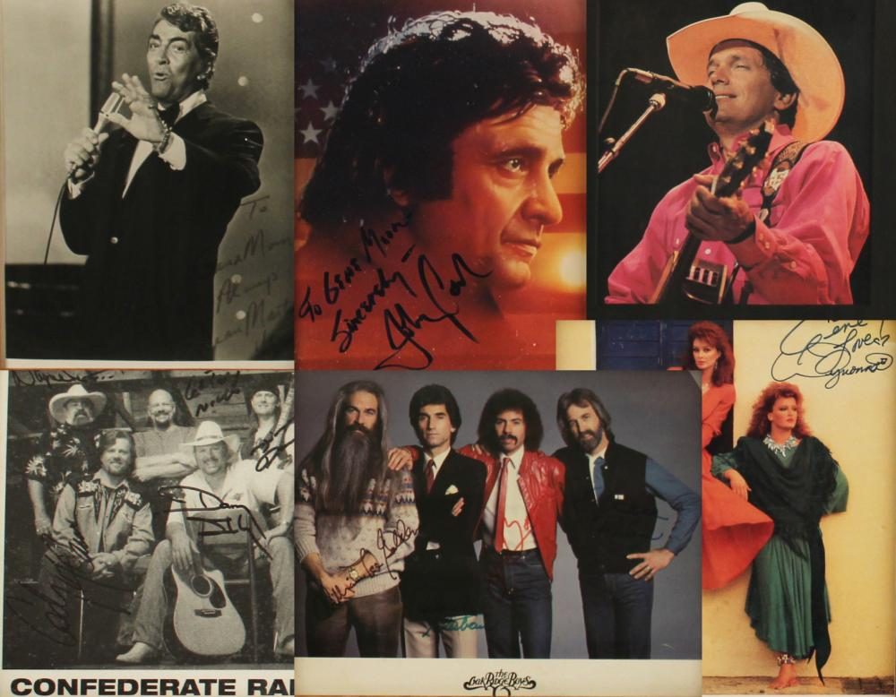 Lot 375: A CROONER AND COUNTRY LEGENDS