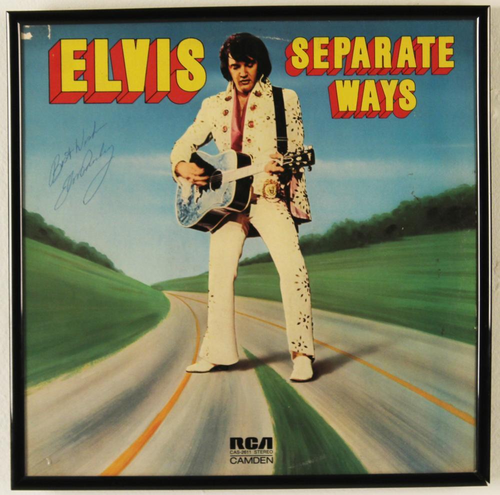 Lot 390: ELVIS PRESLEY SIGNED SEPARATE WAYS ALBUM