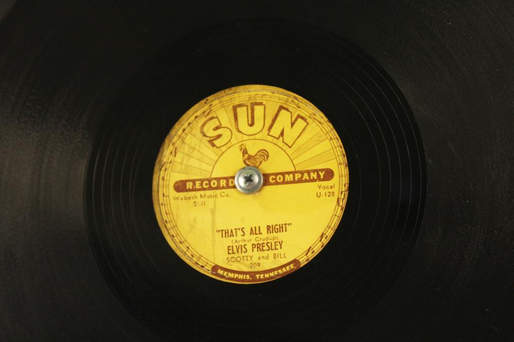Lot 385: ELVIS PRESLEY 78 SINGLE SUN RECORDS 209, 1954