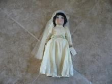 BETSY FLAPPER BRIDE VINTAGE COLLECTIBLE PORCELAIN DOLL