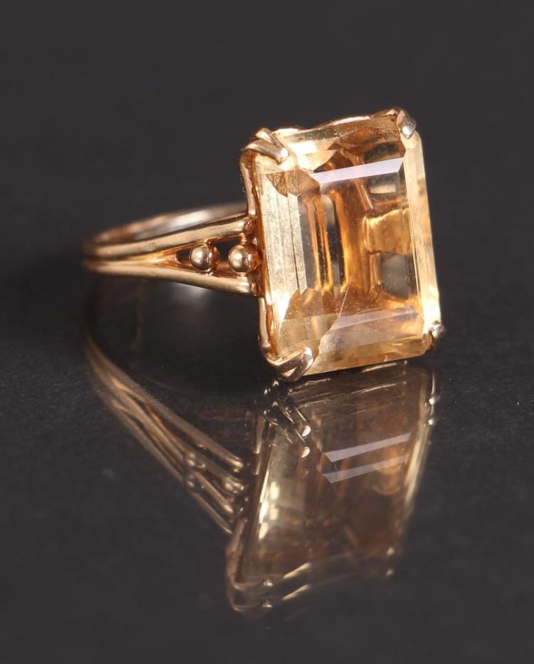 Citrine and 14 K Gold Ring