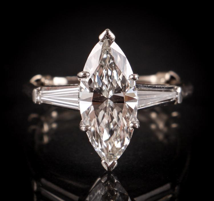 Marquise Diamond Engagement Ring approx. 2.33 carats + Baguettes