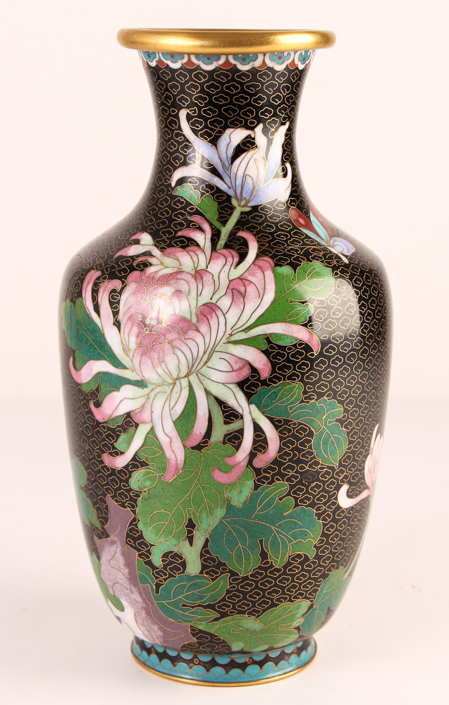 20th Cen Chinese cloisonné' vase w chrysanthemums