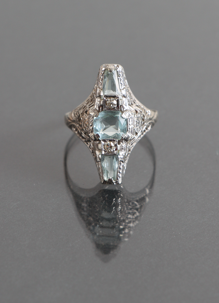 Art Deco Aquamarine & Diamond Filigree Ring