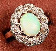 1.71Ct Opal & Dia ring 14kt size 7  6.0 gms