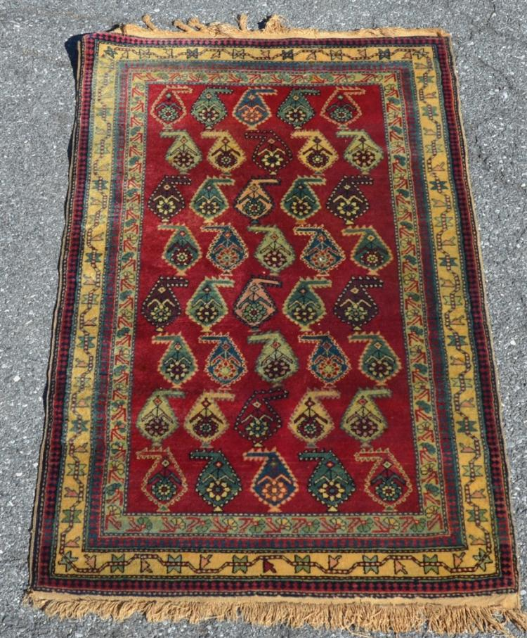 Vintage geometric floral pattern area rug for Geometric print area rugs