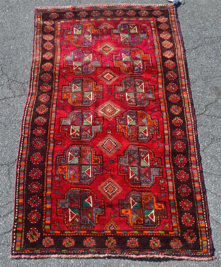 Modern geometric pattern oriental area rug for Geometric print area rugs