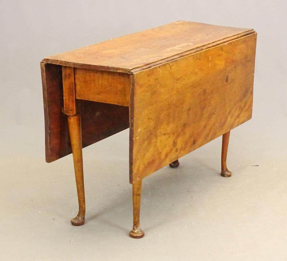 18th c. North Shore Queen Anne Dropleaf Table