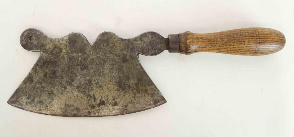 Lot 17: Early Cleaver