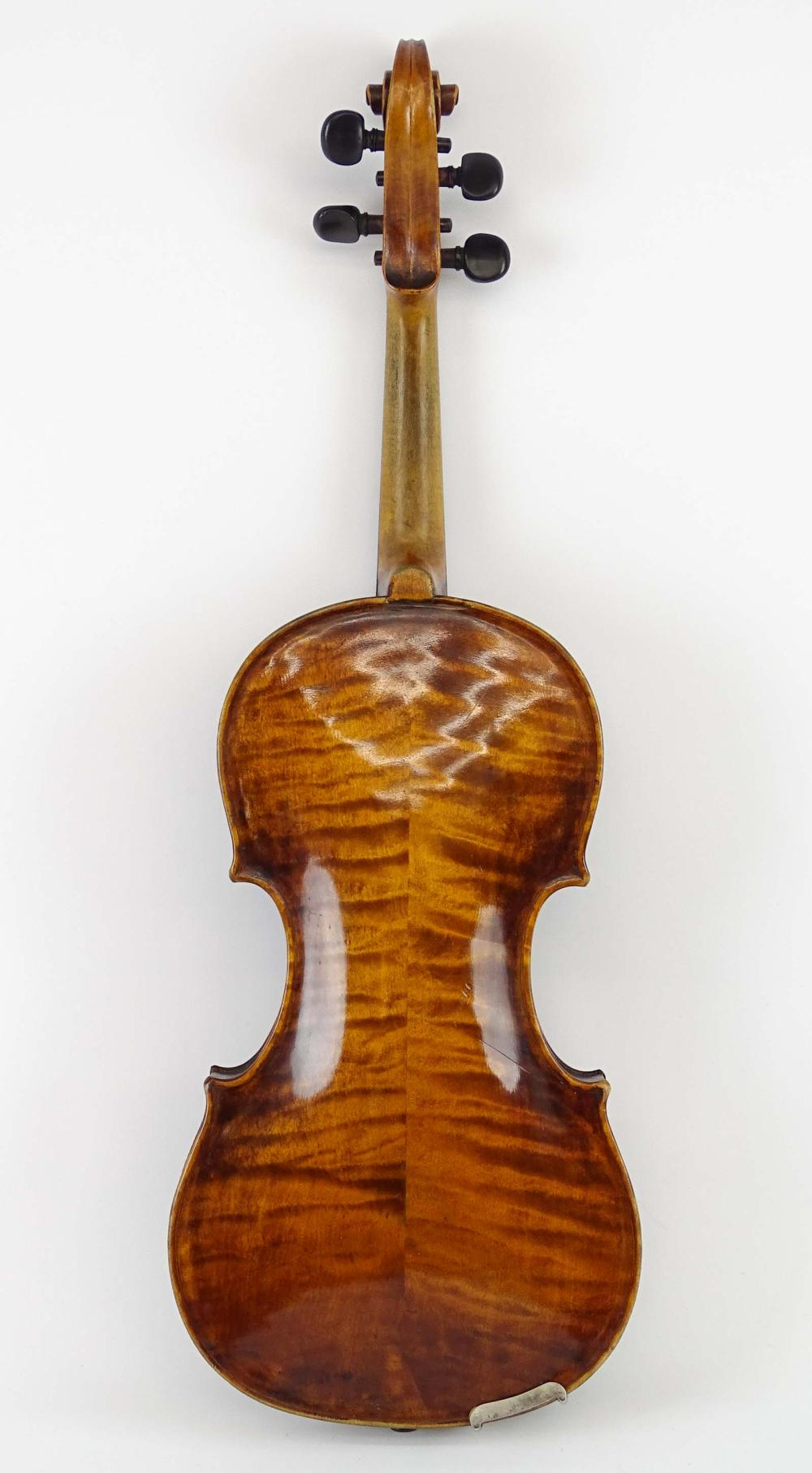 Lot 95: Violin