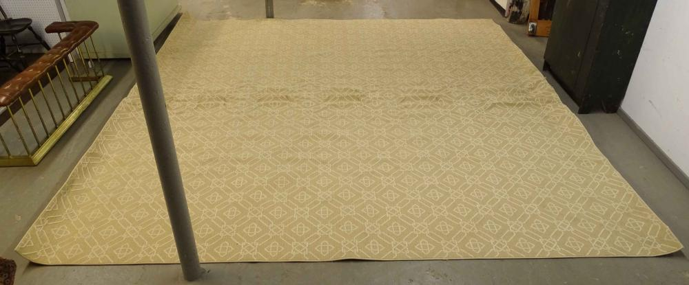 Lot 117: Large Roomsize Rug