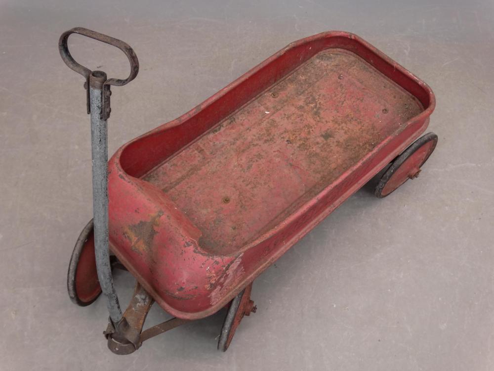 Lot 185: Vintage Pull Wagon