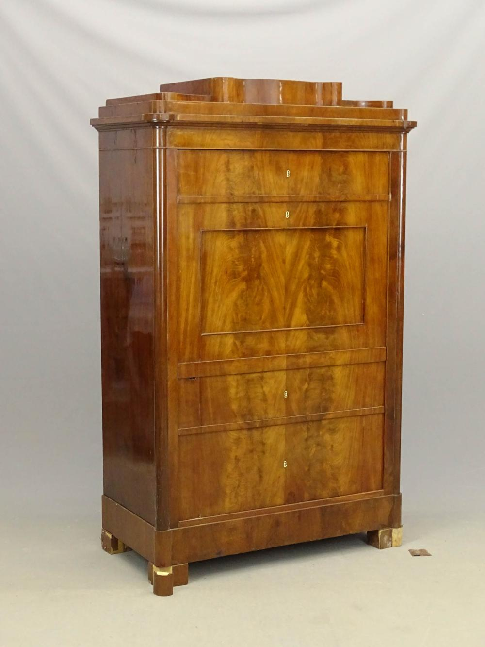 19th c. Biedermeir Cabinet
