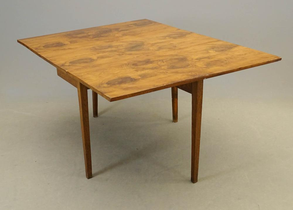 19th c. Continental Dropleaf Table