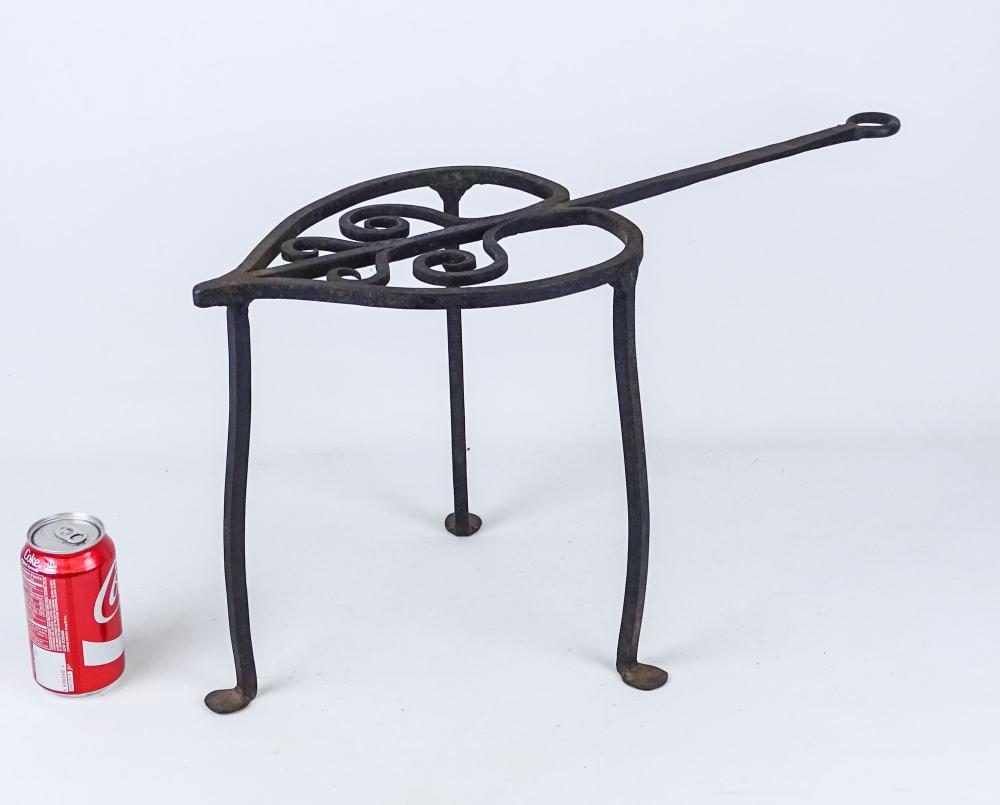 18th c. Forged Iron Standing Heart Trivet