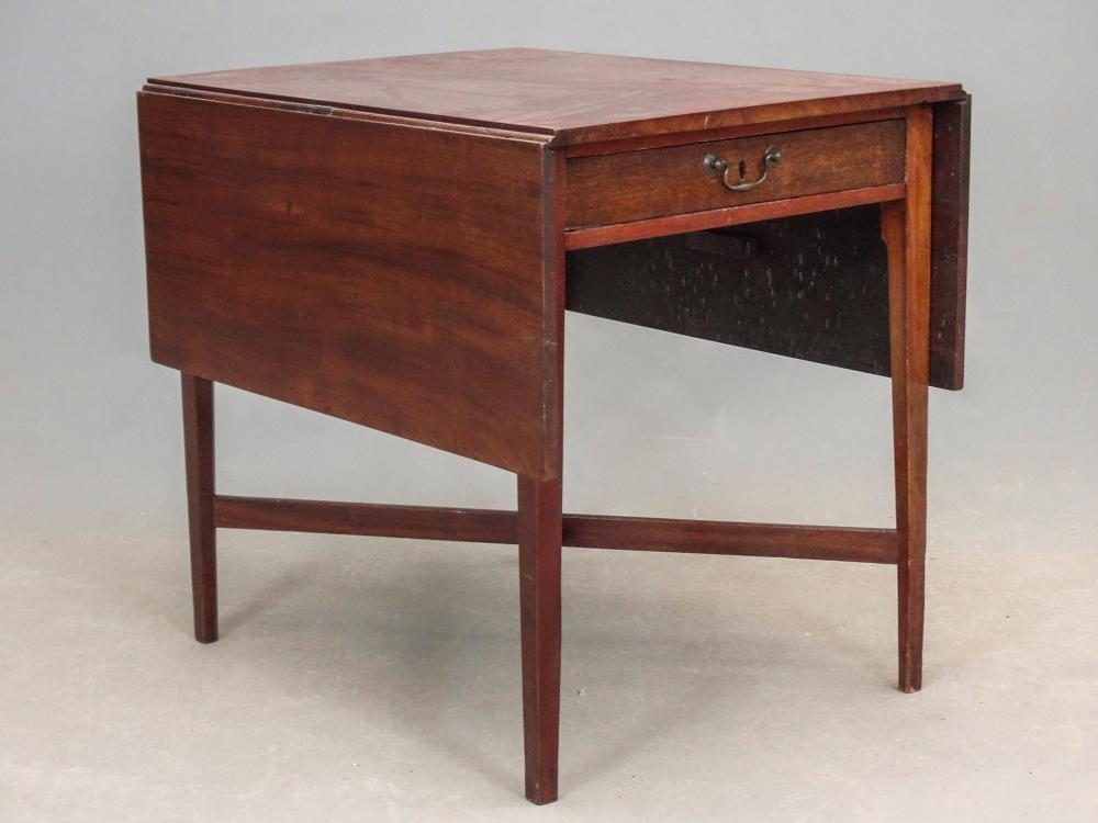 19th c. Hepplewhite Pembroke Table