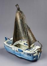 Delft De Porcelyn Fles Hand Painted Fishing Boat